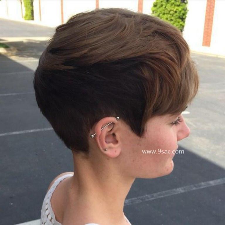 Kalın Telli Saçlar için iki Ton Renkli Kısa Saç Modeli
