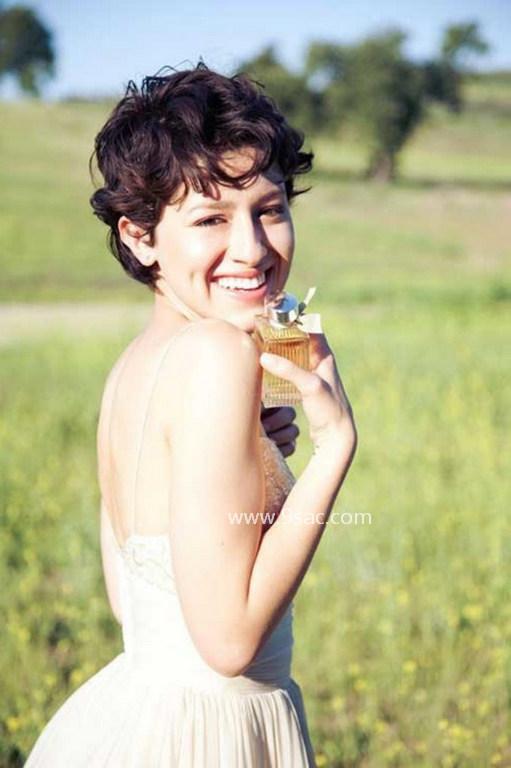 2016 Kahküllü Pixie Saç Modelleri Kıvırcık Bukleli Pixie Saç