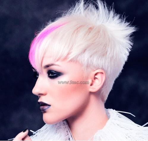 Kısa Saç Sivri Şekil Saç Modeli