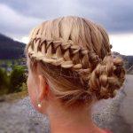 Örgü Topuz Saç Modeli