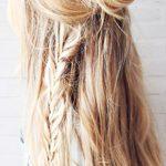 Bohem Örgü Topuz Uzun Saç Modeli