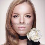 Beyaz Gul Ve Karamel Saç Renkleri