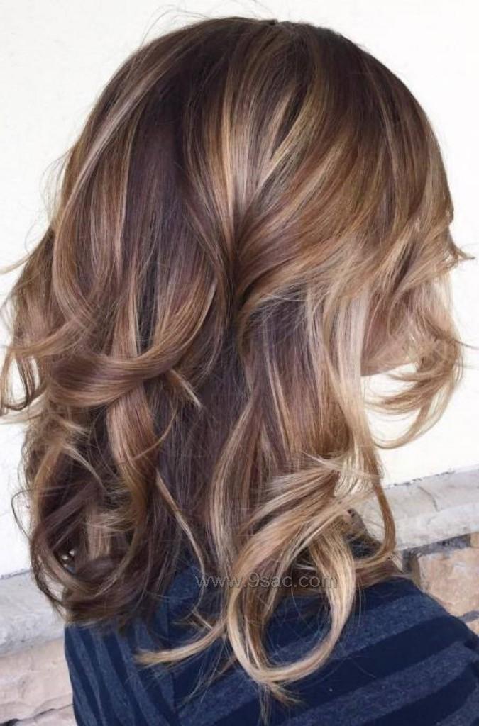 Kahverengi Ve Karamelin Buyusu Balyaj Işıltı Saç Renkleri Saç