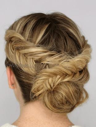 Örgülü Saç Stili