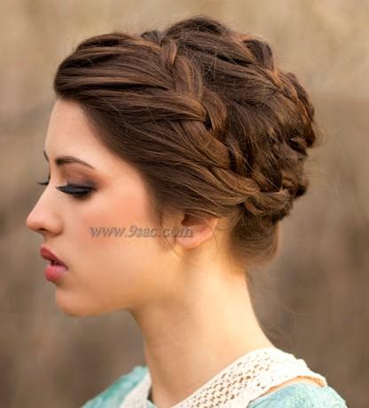 Örgülü Topuz Saç Modeli