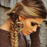 Saçlara Işıltı Katmak