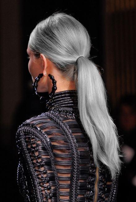 Gümüş Grisi Saç Rengi