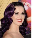 Beyaz Tene Hangi Saç Renkleri Yakışır Patlıcan Moru Saç Rengi