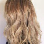 Doğal Bej Sarısı Saç Modelleri