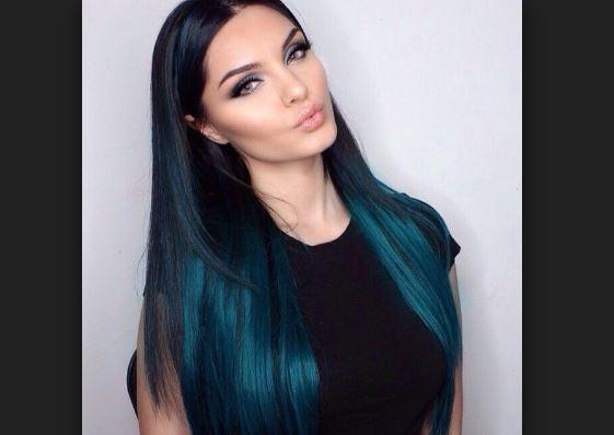 Mavi Siyah Saç Renkleri Saç