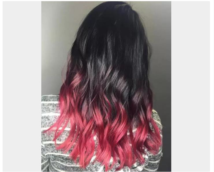 Siyah Kırmızı Dalgalı Saçlar Ombre Şekli