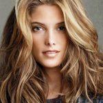Kadınları Genç Gösteren Karamel Saç Rengi ve Modelleri