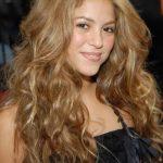 Shakira Altın Karamel Saç Rengi