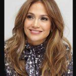 Düz Salık Ortadan Ayrı Saç Modeli Jennifer Lopeze Çok Yakışıyor