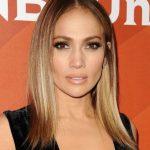 Jennifer Lopez Hafif Kısa Omuz Hizası Katlı Düz Saç Modeli