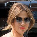 Yaz Hacimli Ortadan Ayrın Jennifer Lopez Saç Modeli 2017