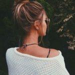 Yazın saçlarınızı yapacağınız dağınık süper topuz saç modelleri