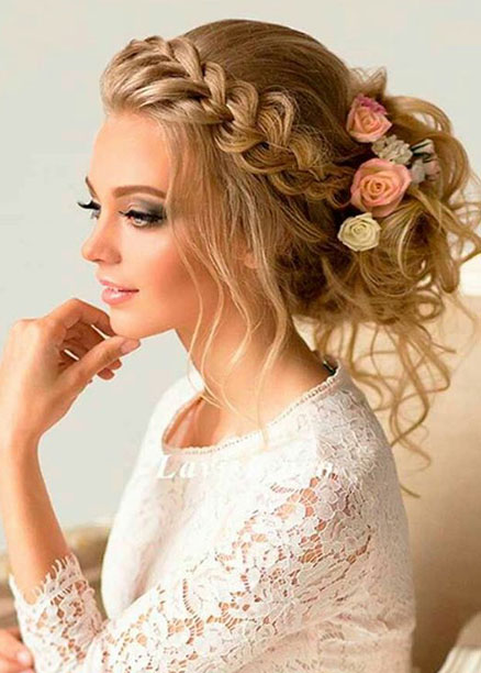 örgülü düğün saç modelleri